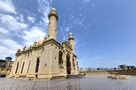 Taza Pir Mosque mosque in Baku, Azerbaijan. Its construction began in 1905 and was finished by 1914. Stok Fotoğraf - 120781493