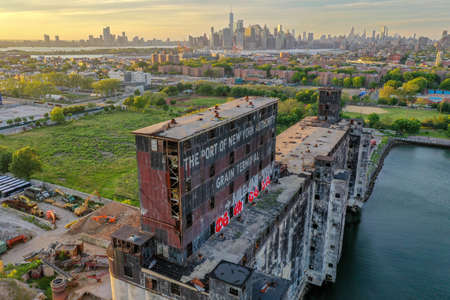 The Red Hook Grain Terminal in the Red Hook neighborhood of Brooklyn, New York. 新聞圖片