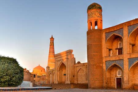 Kutlug-Murad Inaka Madrasa in Khiva, Uzbekistan. The madrassah of Kutlug-Murad-inak was the first two-storied madrassah in Khiva. Stock fotó