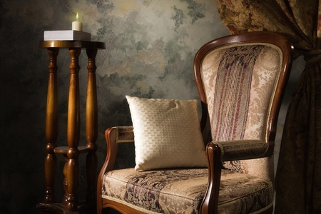 Luxurious vintage interior with armchair in the aristocratic style Stock Photo - 9128338