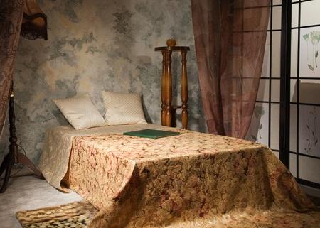 Letti Stile Vintage : Interni raffinati camera da letto in stile vintage foto royalty