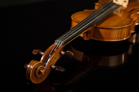 concerto: Picture of the italian violin over black Stock Photo