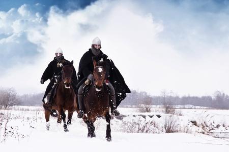 中世聖ヨハネ騎士団 (Hospitallers) に乗って、ベイ馬します。 写真素材