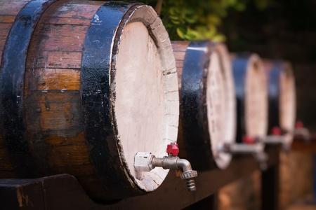 mass storage: Wine barrels on the stand