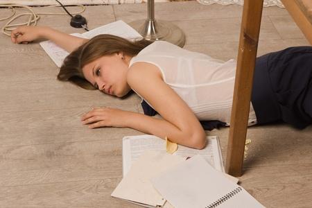 poisoning: Scena del delitto di simulazione Corpo della ragazza senza vita college
