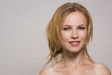 beauty face: Portrait of the beautiful blonde girl