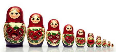 trabajo manual: Nested doll - la vieja mu�eca rusa nacional del trabajo hecho a mano Foto de archivo