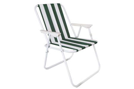 strandstoel: Groen en wit gestreept strand stoel op een witte achtergrond