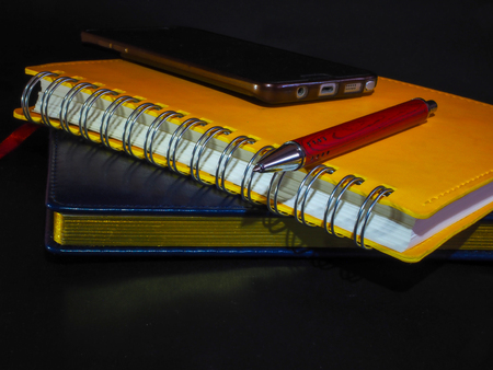 Everyday necessary set for a business man with pen notepad and notebook Foto de archivo - 106819047