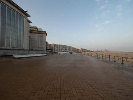 Picture of the dyke of Ostend early in the morning. 免版税图像