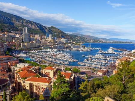 Une vue sur le Port Hercule et ses environs à Monaco. Banque d'images