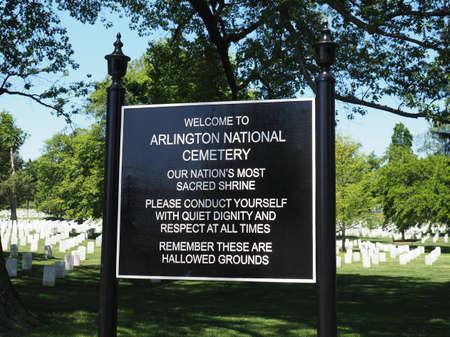 阿灵顿国家公墓。