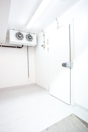 冷蔵庫のドアのプル ハンドル