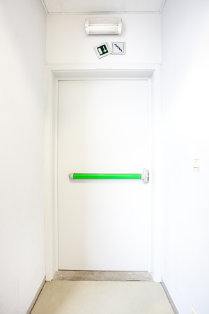 salidas de emergencia: in a building there are emergency exits as this Foto de archivo