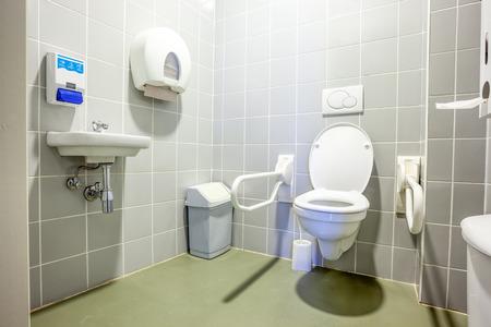 大きな建物の公共の障害者トイレ 写真素材