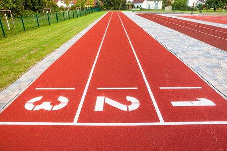 In Nahaufnahme das Feld eines Athleten mit Linien und Streifen Standard-Bild - 85255509