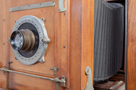of the years silently there is an antique wooden camera 版權商用圖片