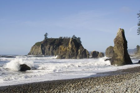 castaway: Clear day at Ruby Beach with foaming winter waves Stock Photo