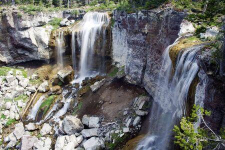 Paulina Creek Falls in Newberry National Volcanic Monument 免版税图像
