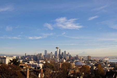 Seattle skyline on a nice evening Stock Photo - 4694553
