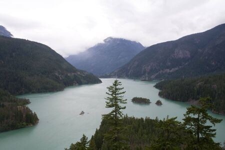 lake diablo: El Diablo Lake in the northern Cascade mountains Stock Photo
