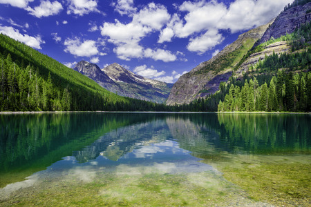 Glacier National Park: Avalanche Lake in Glacier National Park, Montana