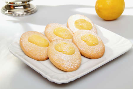 dieta: biscuits with lemon