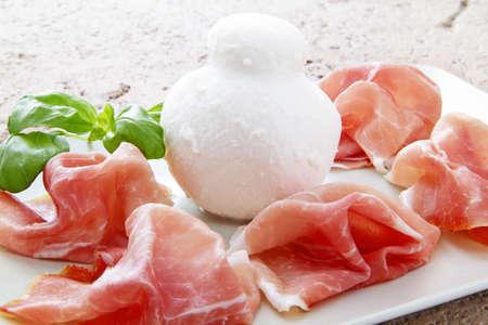 Prosciutto Ende Mozzarella Standard-Bild