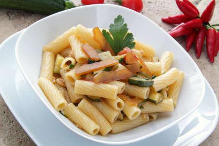 maccheroni: maccheroni whit bottarga end  zucchini