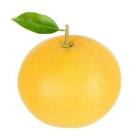 Grapefruit met blad geïsoleerd op een witte achtergrond Stockfoto