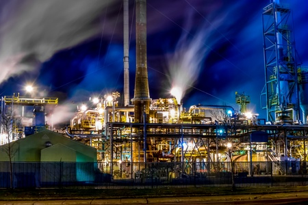 East Side Oil Refinery in Montreal-East Stock Photo - 16992705