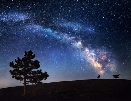 Milky Way. Beautiful summer night sky with stars in Crimea. Foto de archivo