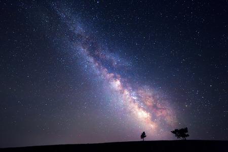 天の川。星と美しい夏の夜空。背景。 写真素材