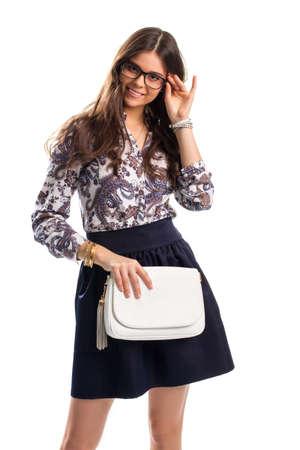 7e9df6af7 Señora En Camisa De Flores Sonriendo. Camiseta Con Estampado Y Falda ...
