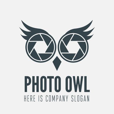 フクロウとビジネス、カメラマン、スタジオ、株式会社または web 用シャッターを持つ要素