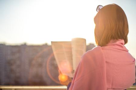 stole: Mujer horizontal compartimiento de la lectura