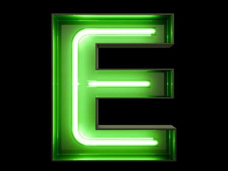 Luz de neón verde alfabeto carácter E fuente. Las letras del tubo de neón brillan efecto sobre fondo negro. Representación 3d Foto de archivo