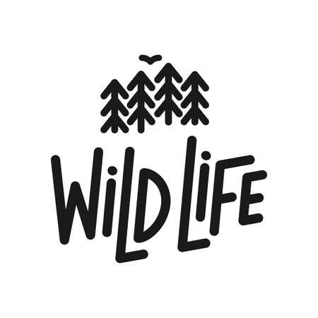 Vector ilustración plana: composición de letras de tipografía de línea de vida salvaje con silueta de bosque de pinos y aves.