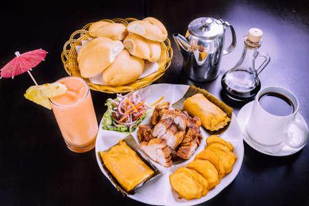 peruvian food breakfast tamales with chicharron Foto de archivo - 104499094