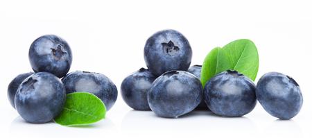 Fresh raw organic blueberries in vintage wooden box on kitchen background. Stockfoto