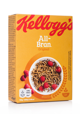 LONDON, UK - MAY 29, 2019: Pack of Kellogg's All Bran flakes, new edition of healthy food grain on white. Banco de Imagens - 124998798