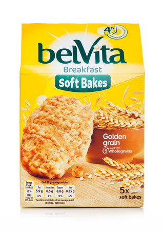 LONDON, UK - MAY 29, 2019: Pack of Belvita Breakfast soft bakes golden grain cookies on white 스톡 콘텐츠 - 124998811