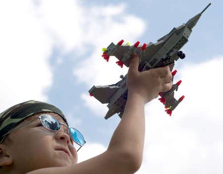 fighter pilot: Un ni�o sue�a con ser piloto de caza