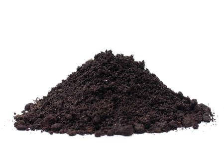 soil: Heap di suolo isolato su sfondo bianco  Archivio Fotografico