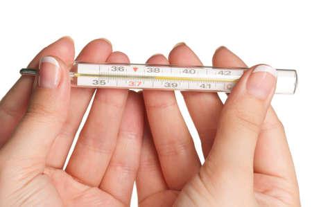 Frau, die Hände mit Thermometer isoliert auf weißem Hintergrund Standard-Bild