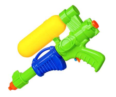pistola: Pistola de agua de pl�stico aislado sobre fondo blanco Foto de archivo