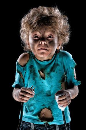 descarga electrica: Boy recibir una descarga el�ctrica despu�s de un cortocircuito