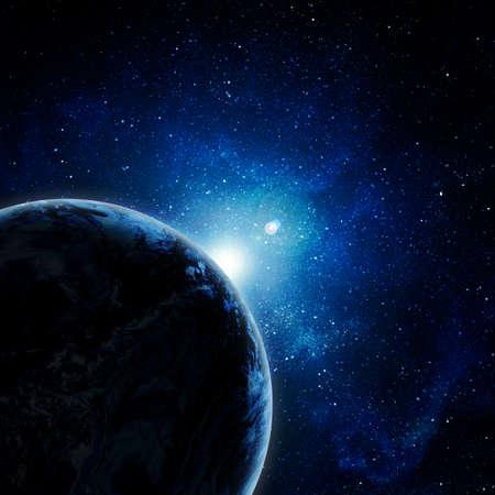 cielo estrellado: tierra azul en el espacio con el sol naciente Foto de archivo