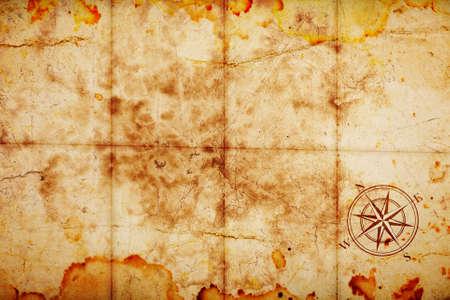 viejo mapa del tesoro con brújula