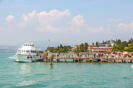 Sirmione, Italy - Circa September 2018. Sunny day in beautiful town Sirmione, located on Garda lake. 報道画像